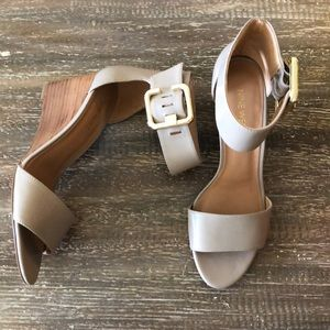 Like new Nine West Narcissus Women's Sandal Size 7